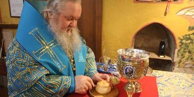 В праздник Сретения Господня епископ Великолукский и Невельский Сергий совершил Божественную…
