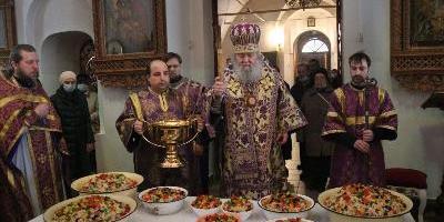 Епископ Великолукский и Невельский Сергий совершил Литургию Преосвященных  Даров…