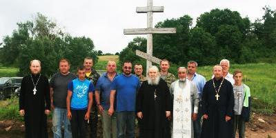 Освящение закладки первого камня в фундамент будущей кладбищенской церкви в честь…