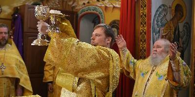 Епископ Великолукский и Невельский Сергий совершил Божественную литургию в Свято-Вознесенском…
